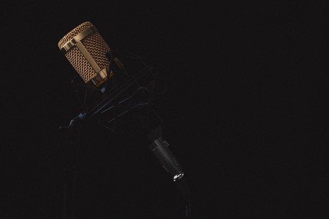 Piccoli trucchi per sconfiggere la paura di parlare in pubblico